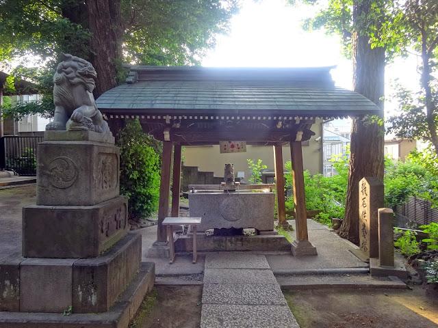 手水舎,氷川神社,東中野〈著作権フリー無料画像〉Free Stock Photos