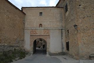 Puerta de entrada a Pedraza, único lugar por el que se puede entrar al pueblo.