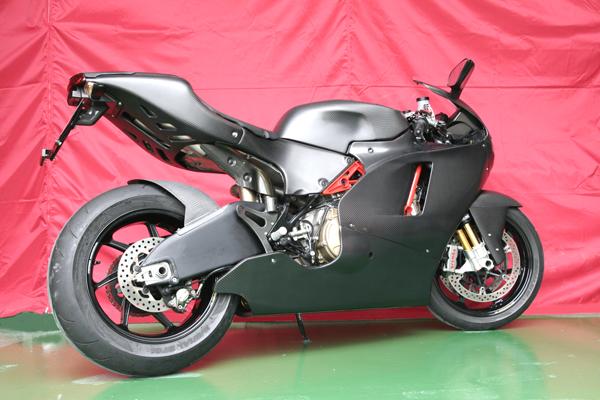Desmosedici  - Page 2 Ducati+Desmosedici+RR+by+Carbon+Dry+Japan+03
