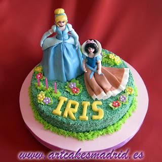Tarta de cumpleaños con princesas Disney