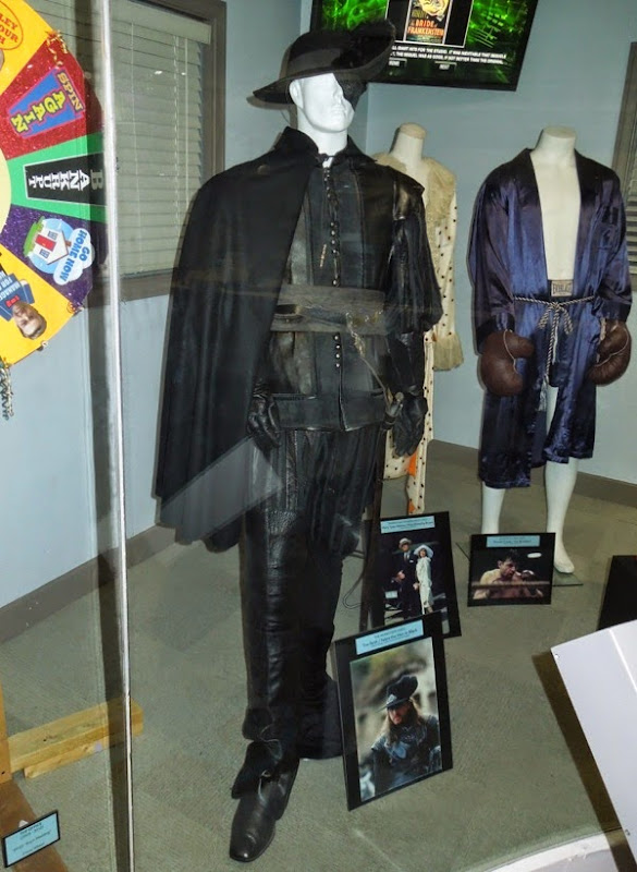 Febre the Man in Black film costume The Musketeer