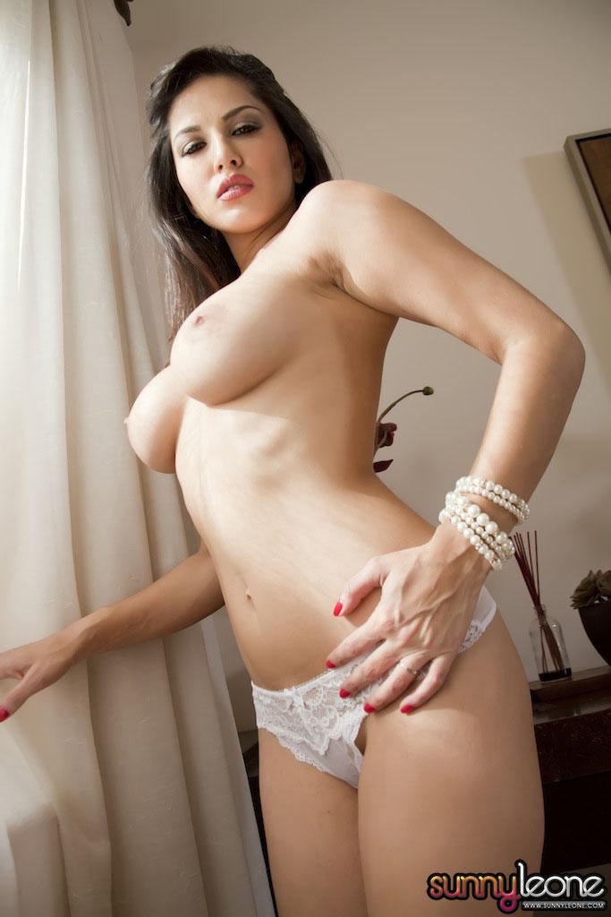 www.celebtiger.blogspot.com Sunny+Leone+ +White+BikIni+(33) Sunny Leone Indian Pornstar Posing Nude In White Lingerie HQ Photos