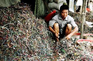 http://sites.nicholas.duke.edu/loribennear/2012/11/15/electronic-waste-disposal/