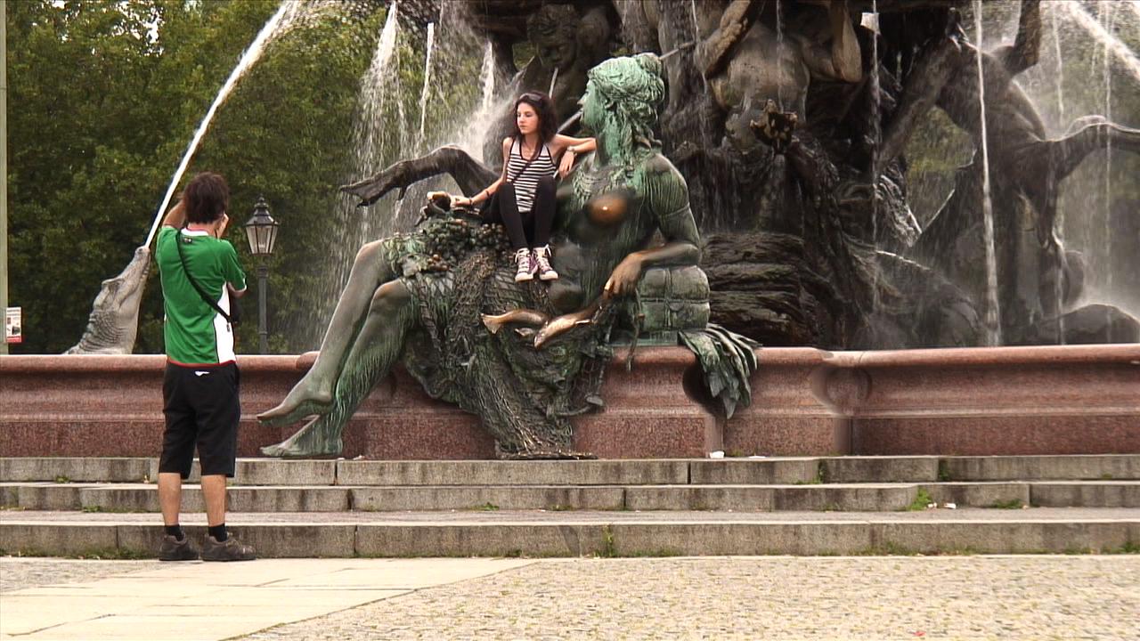 ver vídeo Neptunbrunnen