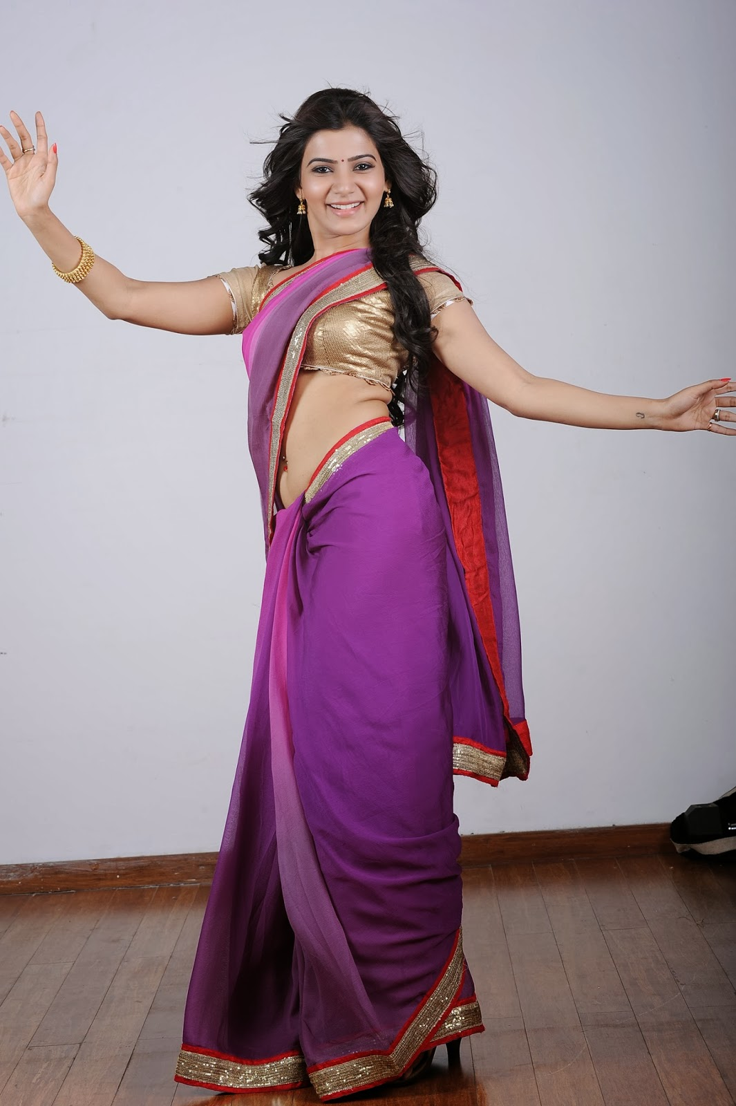 Download Hot Pic's: Samantha Latest Half Saree Cute Navel Show Pics in ...