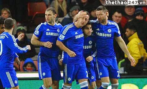 Stoke 0 -2  Chelsea: lập lại trật tự
