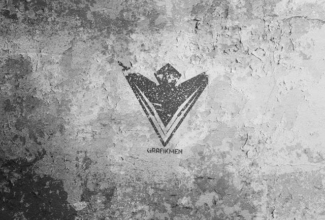 Duvar Üzerinde Sprey PSD Mockup Logo