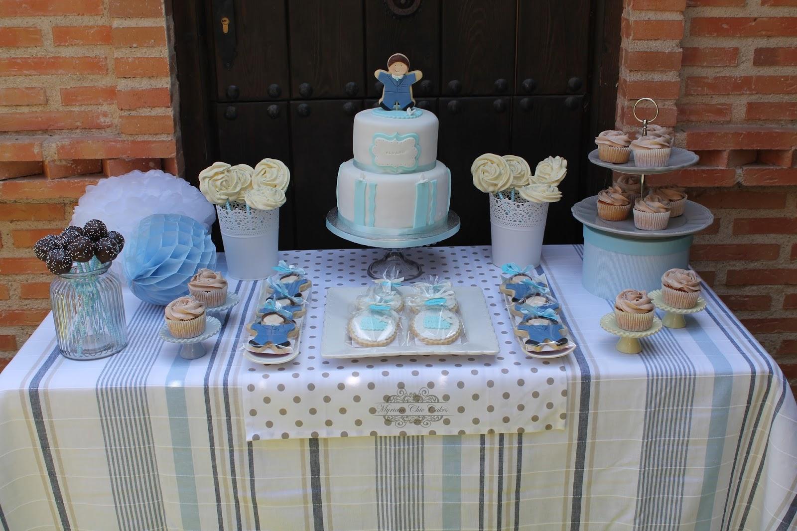 Myriam chic cakes mesa dulce comuni n de alvaro - Preparar mesa dulce para comunion ...