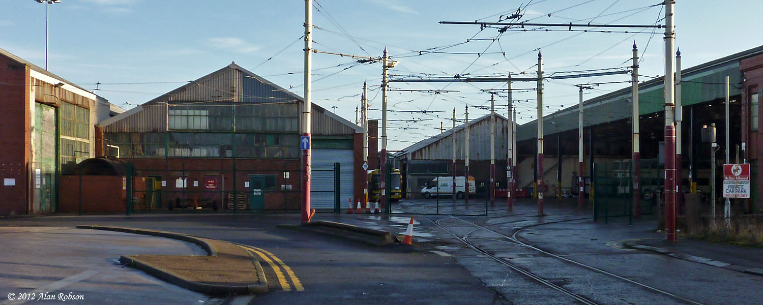 Blackpool Tram Blog New Gates Fitted At Rigby Road Depot
