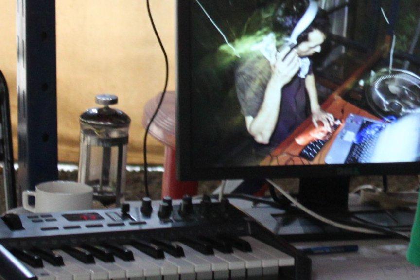 Corin's workstation for 'Sonosphere-I'