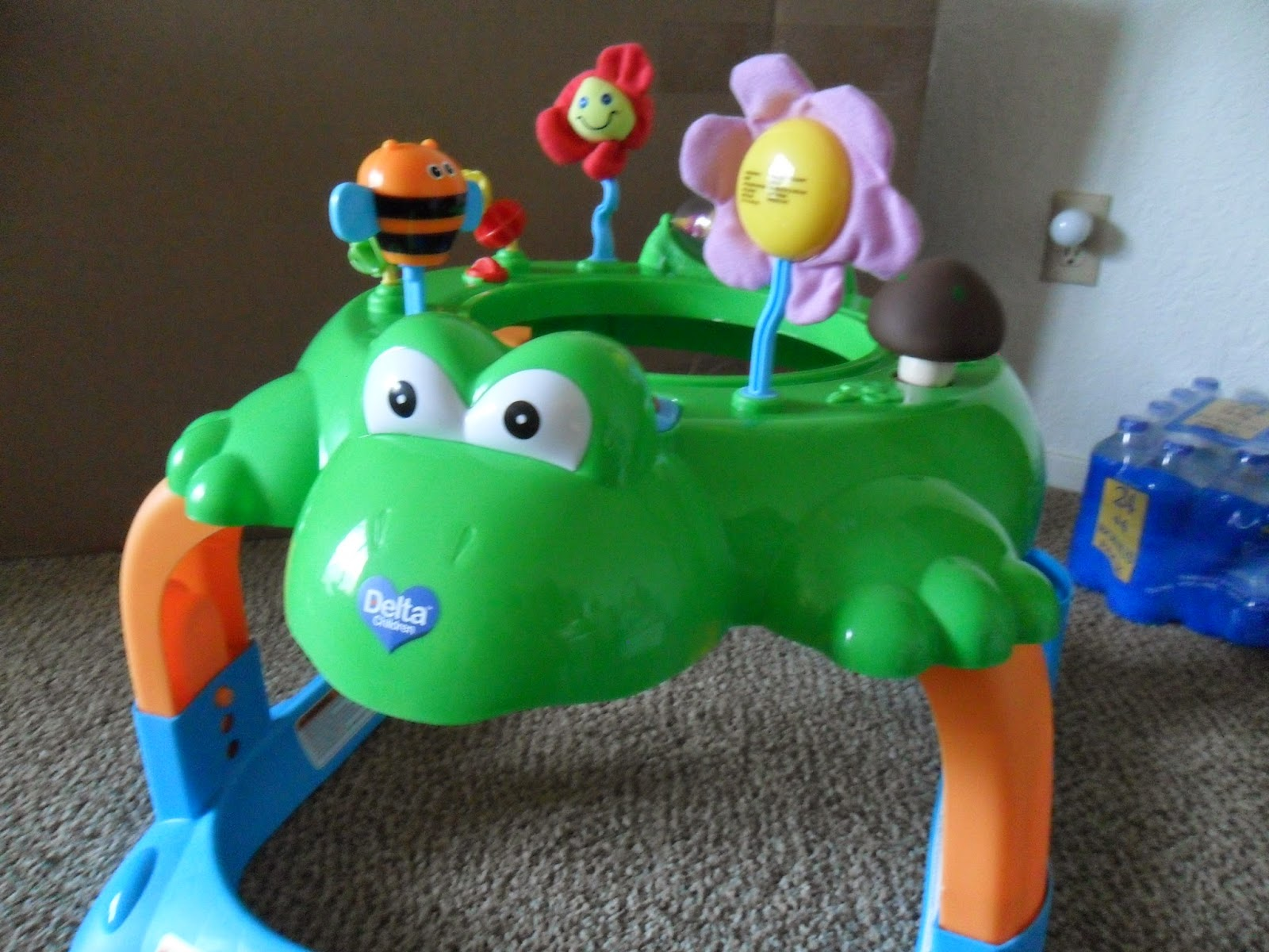 Delta Children. Lil' Frog Walker and Activity Center. Review  (Blu me away or Pink of me Event)