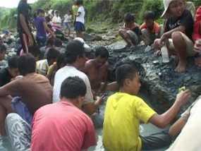Foto Tambang Emas di Sungai Logawa Banyumas