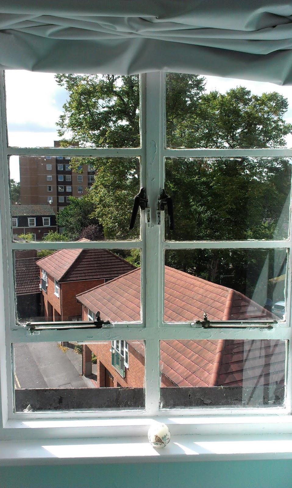open a vein: Art Deco window frames