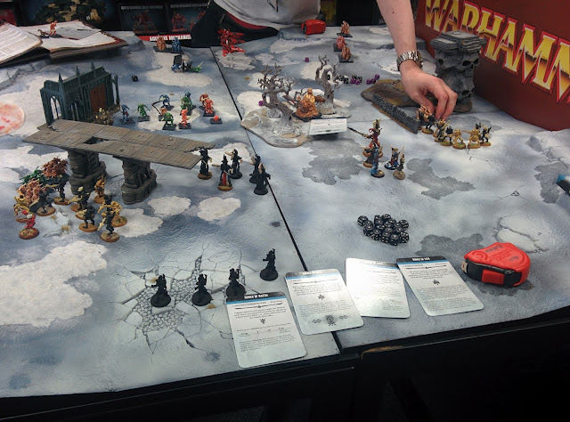 Eldar vs Chaos (nurglings?) at Enfield Games Workshop