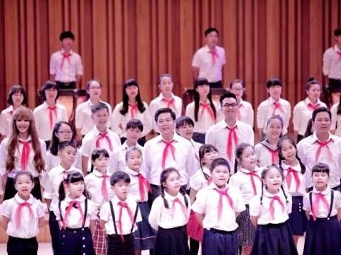 Ai yêu Bác Hồ Chí Minh hơn Thiếu niên nhi đồng