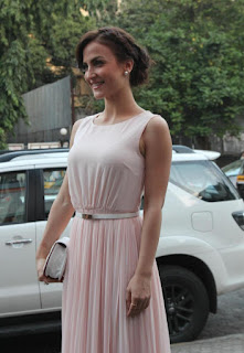 Elli Avram Looks Stunning Beautiful elegant in Pale White Evening Gown at Zoya Boutique Wedding Collection Mumbai