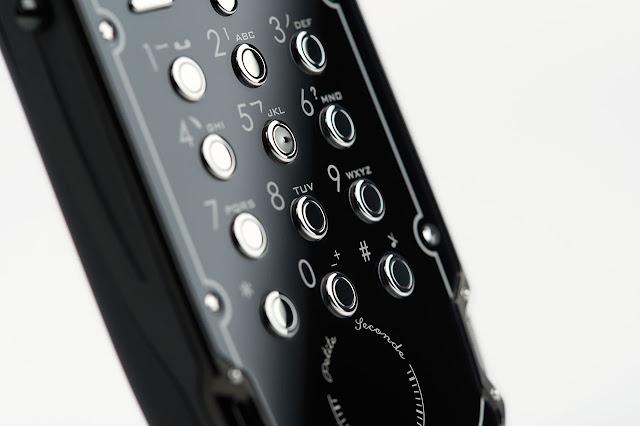 Celsius X VI II LeDix Furtif dial pad
