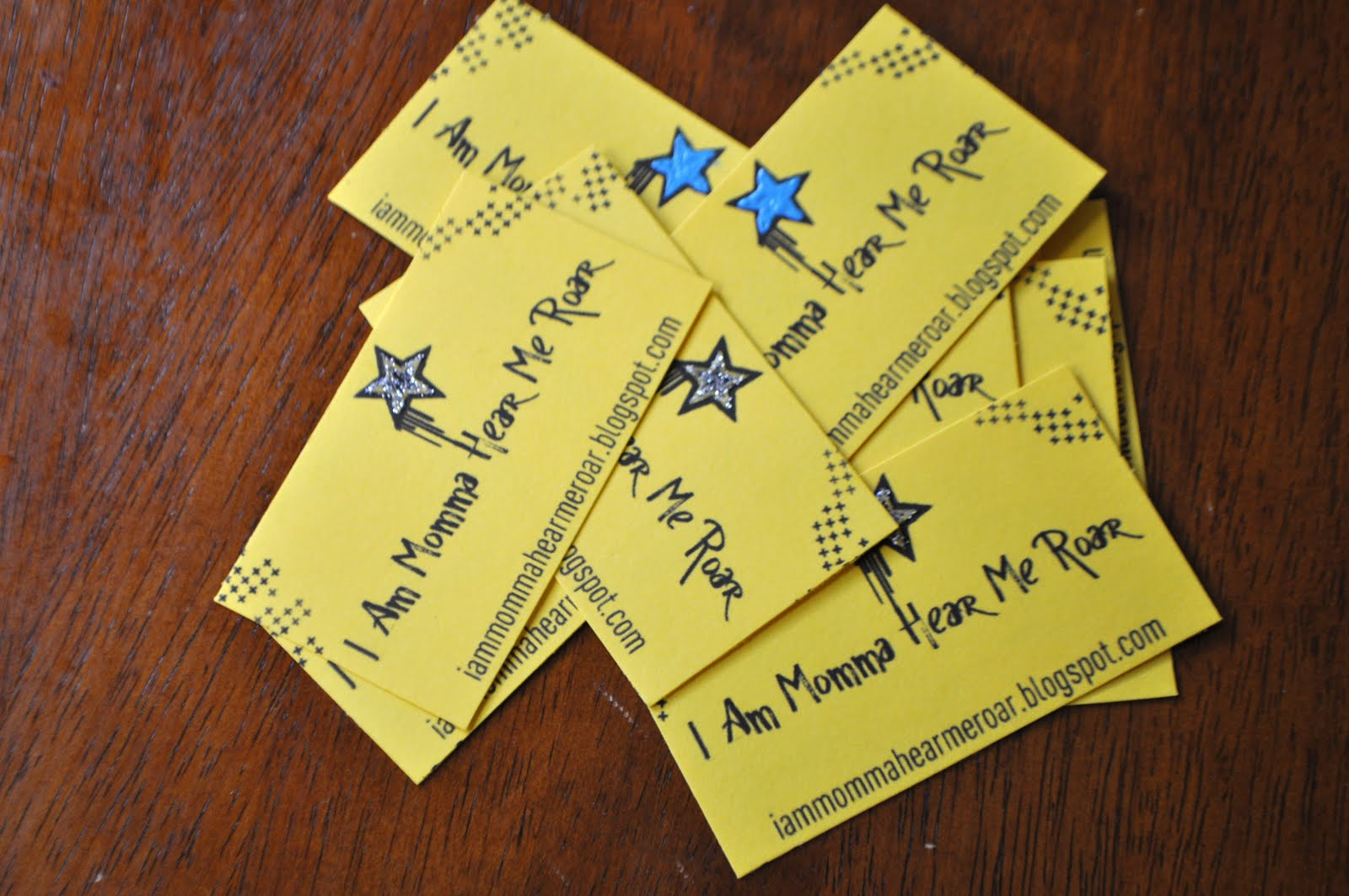 I am momma hear me roar diy business cards they were fun and easy to make they still have a professional look and a pop of color but without paying for it reheart Gallery