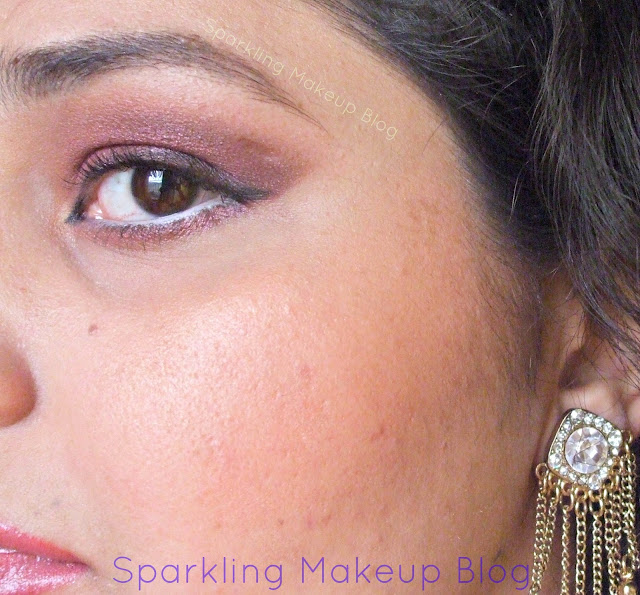 Sleek Makeup Oh So Special,MUA pearl shadow 25, Mua blusher #3, Classic lipstick #53, Luscious Shimmer Fairy Dust, Mua eye primer, Mua brush on pen concealer, Color studio soft kohl jasmine, Karaja Kohl pencil, Maybelling Colossal Kajal, Mua liquid eyeliner#3,