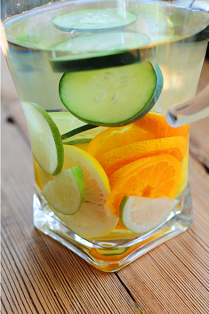 Nov 30,  · Cucumber water is easy to enjoy at home and does have some incremental health benefits relative to a plain glass of water. Many people enjoy drinking infused water, like cucumber water, far more than regular water.5/5(39).