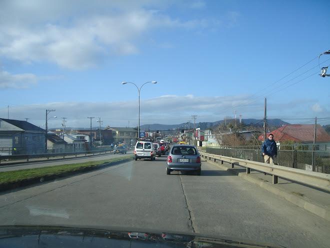Bajando por el puente Calle-Calle