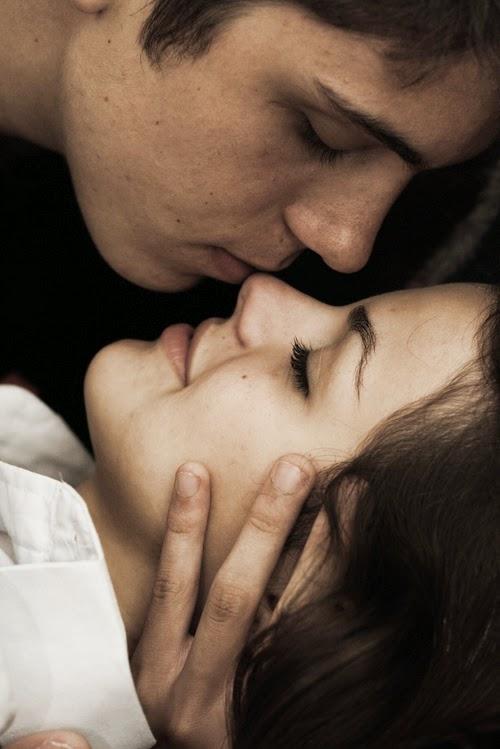 es poco decir que en un beso tuyo