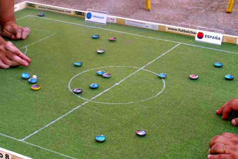Competentes Digitales: Plástica: fútbol-chapas