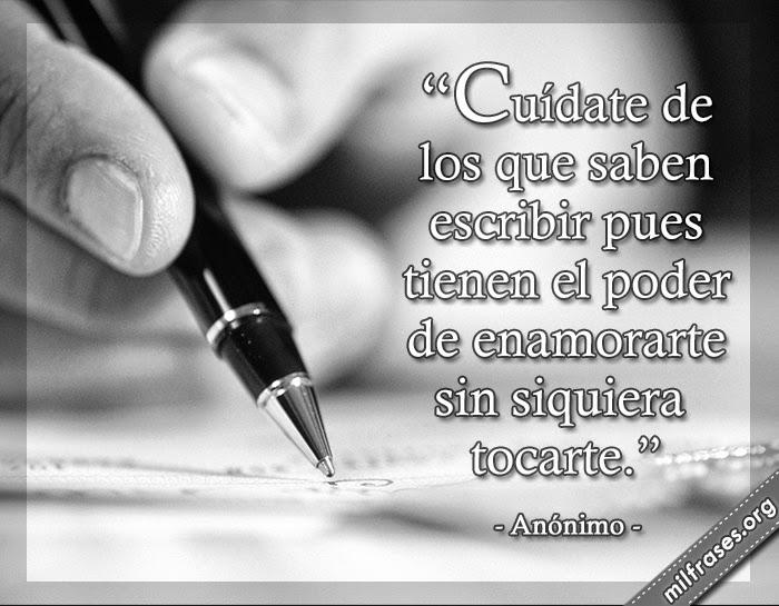 imagen de escritura, persona escribiendo, cuídate de los que saben escribir pues tienen el poder de enamorarte sin siquiera tocarte