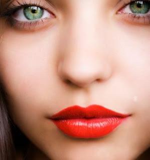 حالتُك العاطفية تظهر من خلال أحمر شفاهك - red lips