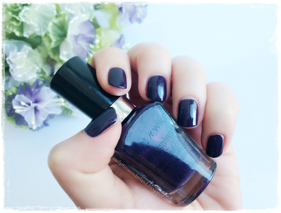 Wet n Wild Megalast Salon Nail Color: Disturbia - Oje