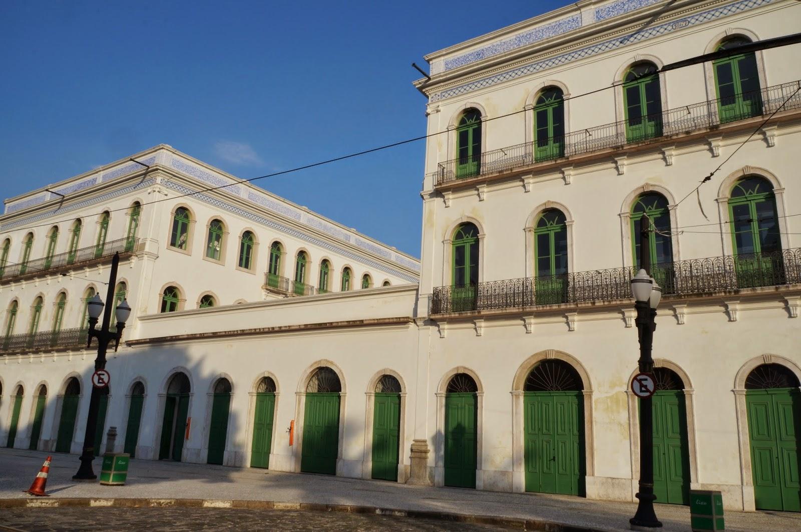 exterior restaurado do edifício do largo Monte Alegre (abriga hoje o Museu Pelé)