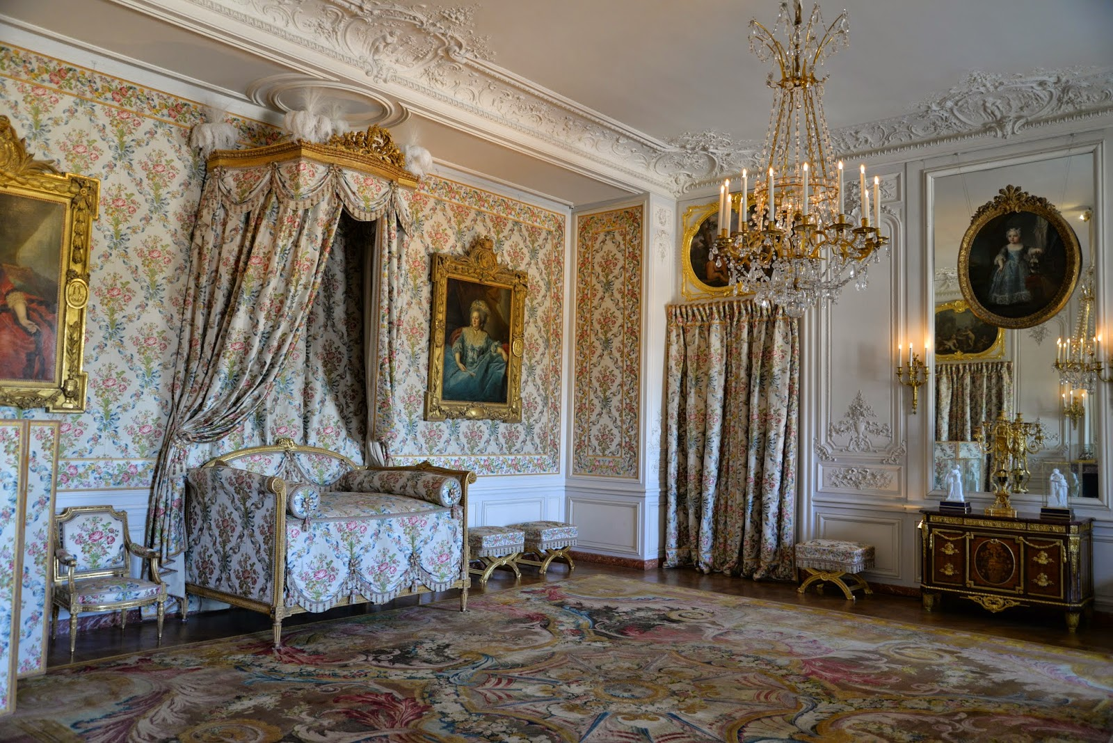 Cubo et excubo mesdames 39 apartments versailles for Chambre louis xvi versailles