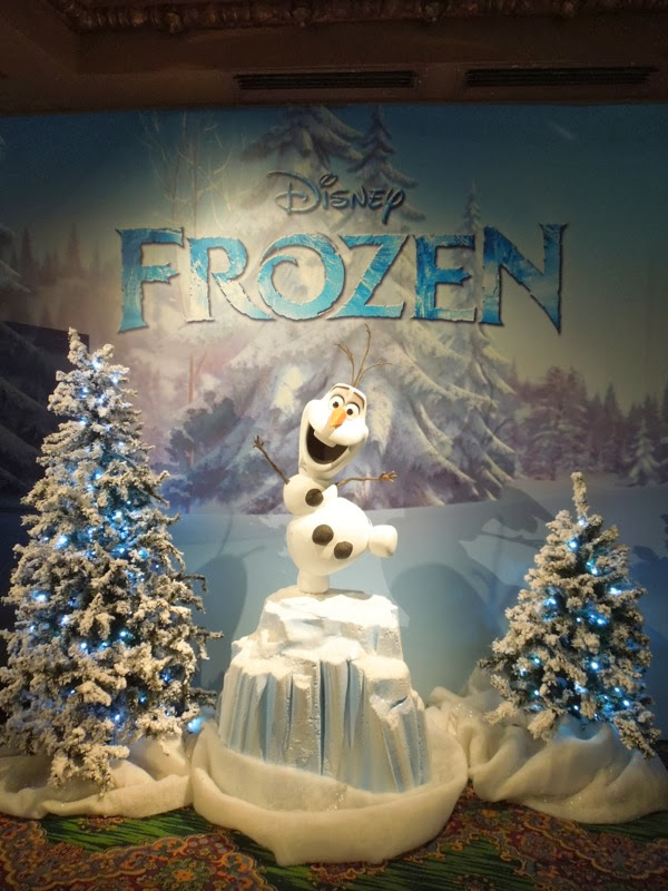 Snowman Olaf Frozen display