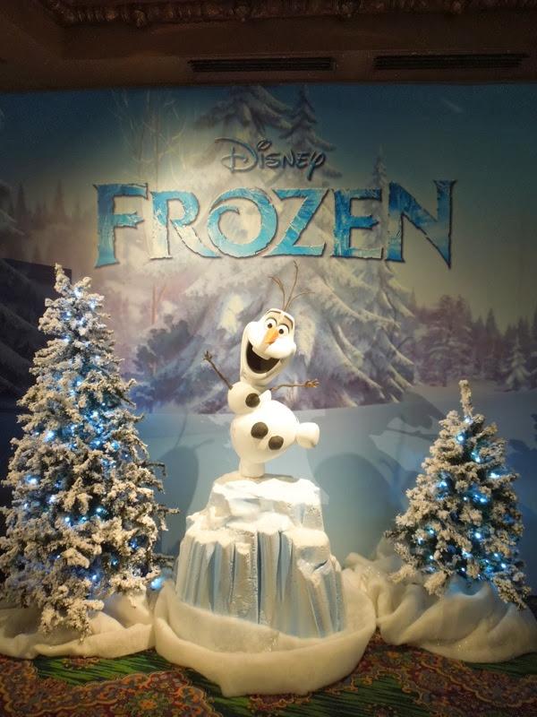 Snowman Olaf Frozen display
