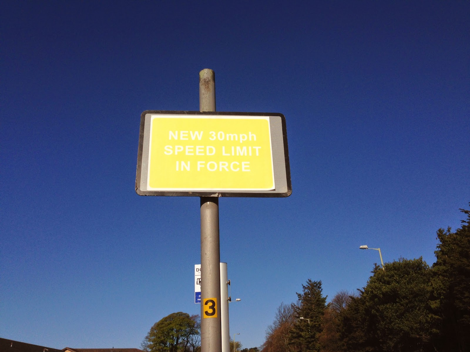 Can you read this road sign on Dundee Road Broughty Ferry?