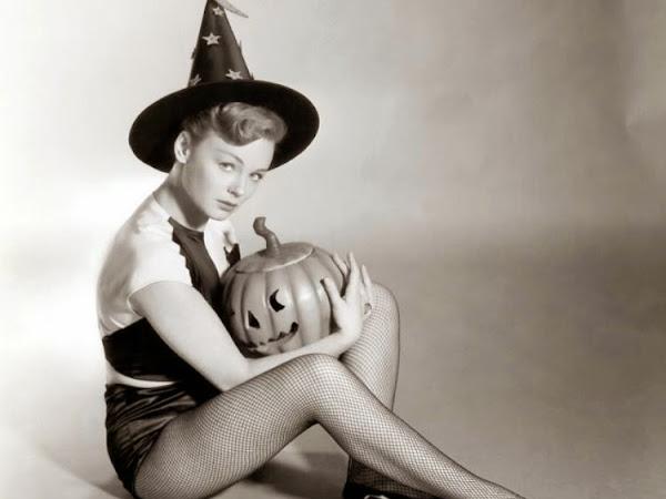 Spooky Halloween Pinups