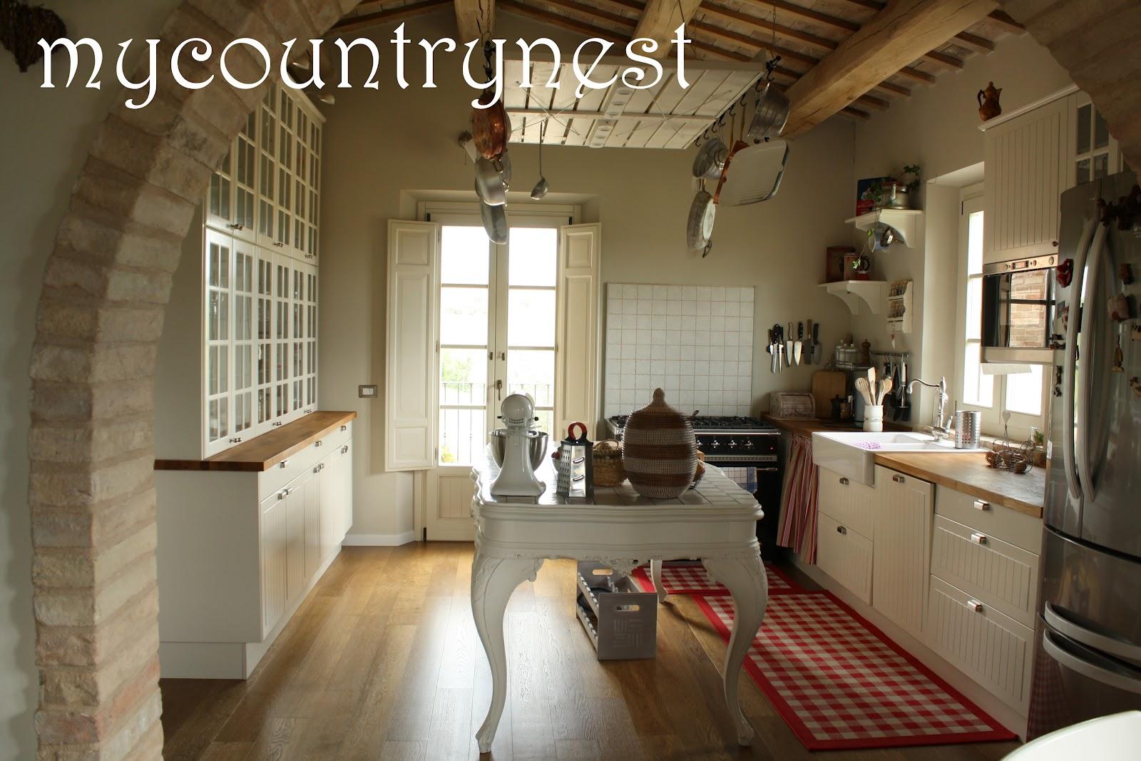 My country nest: Recupero in cucina: isola e rastrelliera per ...
