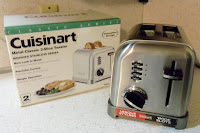 http://www.amazon.com/Cuisinart-CPT-160-Classic-2-Slice-Stainless/dp/B0000A1ZN0%3Fpsc%3D1%26SubscriptionId%3D14H876SFAKFS0EHBYQ02%26tag%3Dhubacct4139-20%26linkCode%3Dxm2%26camp%3D2025%26creative%3D165953%26creativeASIN%3DB0000A1ZN0