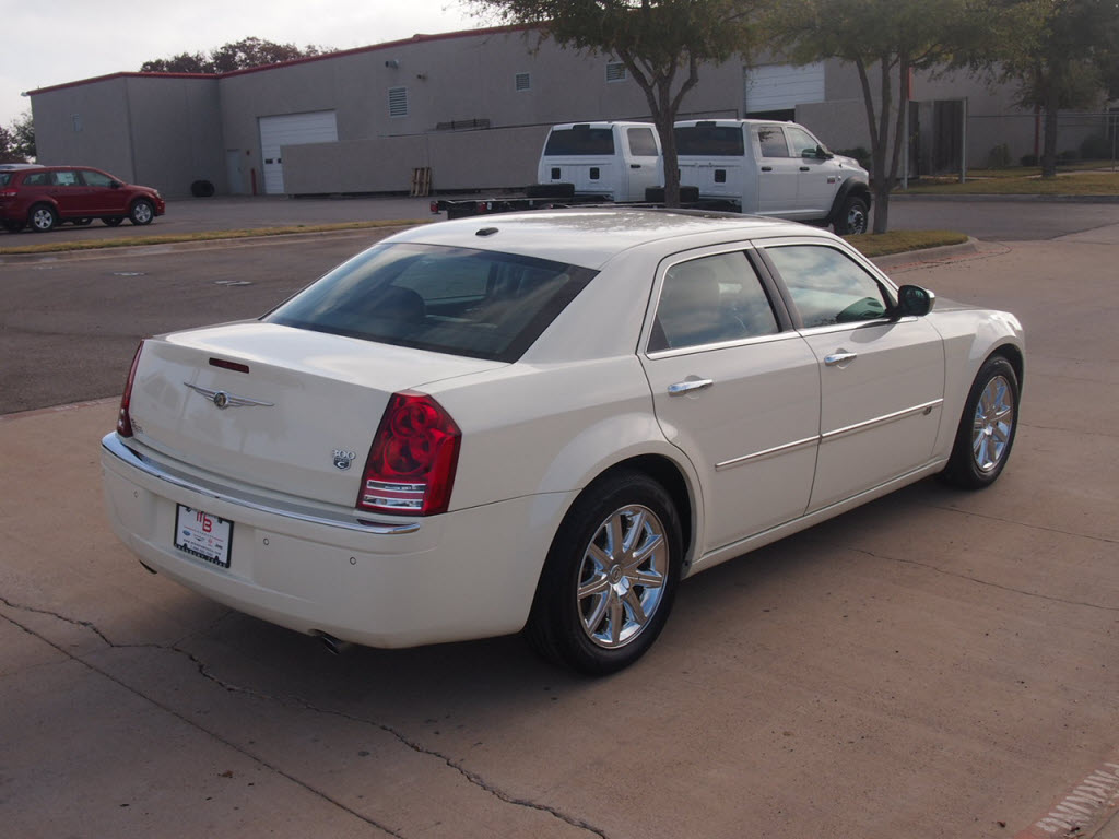 For sale 2010 Chrysler 300C Hemi Sedan 24k miles $27,991 ...