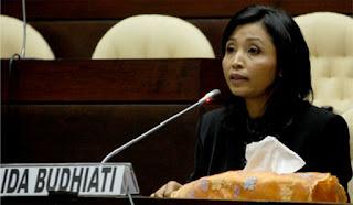 IDA BUDHIATI, S.H., M.H., Anggota Komisi Pemilihan Umum Republik Indonesia (KPU RI) periode 2012-2017
