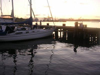 Solnedgång över småbåtshamn, Göteborg. foto: Reb Dutius
