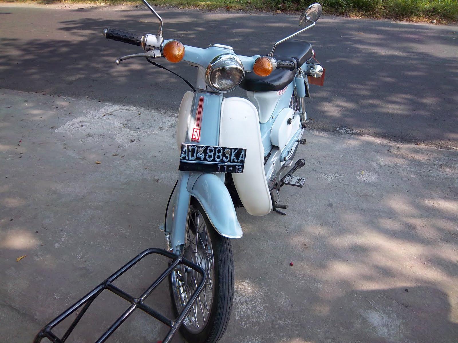jual mobil dan motor di solo  motor honda c50 tahun 1975