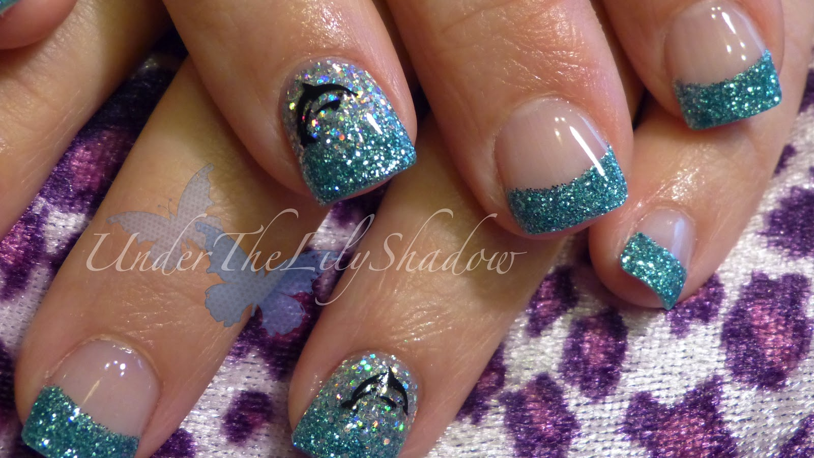 underthelilyshadow: ☆★ Dolphin nail art