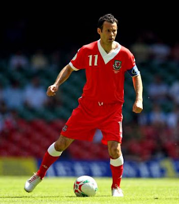 Ryan Giggs - Wales National Team (1)