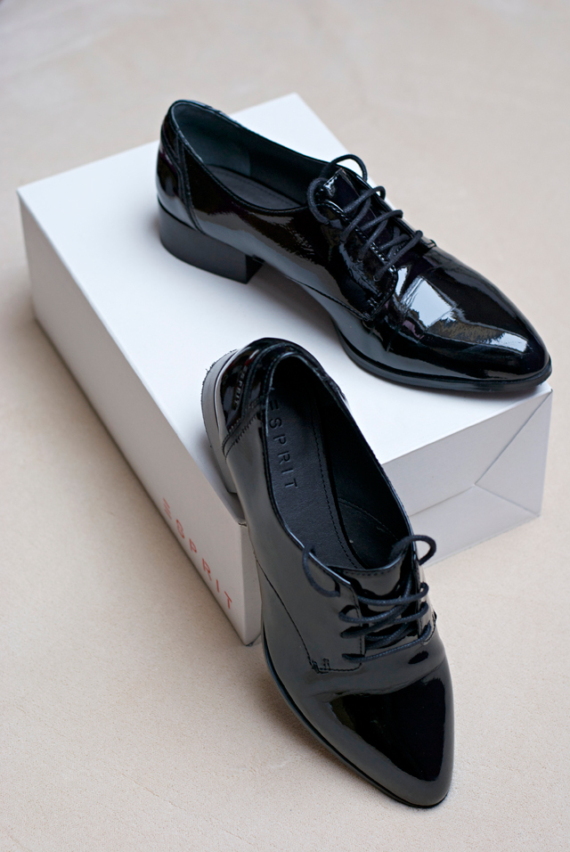 Esprit black patent leather shoes Lackschuhe