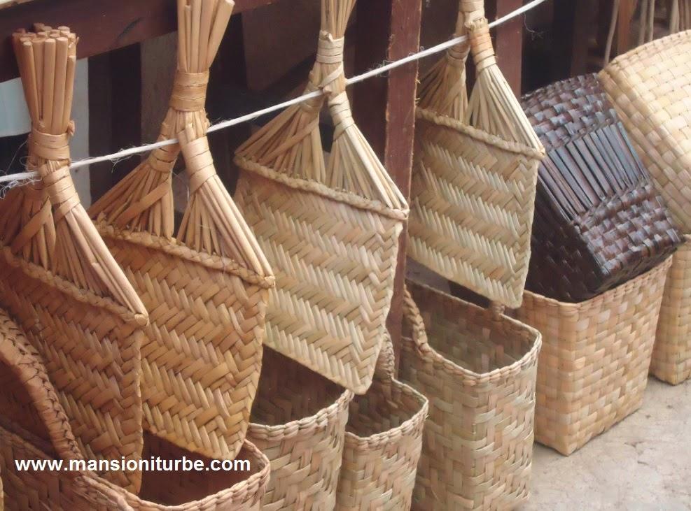 Artesanías hechas con fibras vegetales del Lago de Pátzcuaro