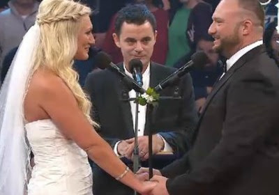 Ray and Brooke Hogan wedding: Aces & Eights play wedding crashers