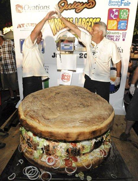 burger terbesar seberat 352kg