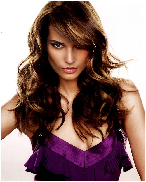 new hairstyles for curly hair 2013 on LAYERED HAIRCUT FOR MEDIUM LENGTH HAIRS