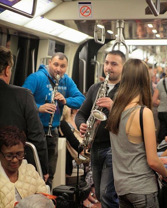 Paris Metro Buskers